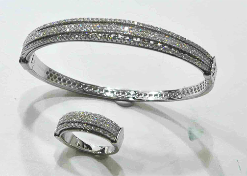 BANGLE WITH RING